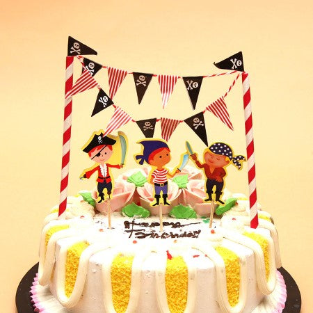 Gorgeous Pirate Cake Topper and Pirate Bunting Kit I Cool Pirate Party Decorations & Tableware I My Dream Party Shop I UK