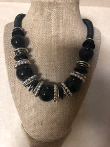 Black Wood Pearl Set