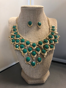 Green Gold Accent Necklace Set