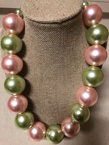 Large One-Strand Pink and Green Pearl Set