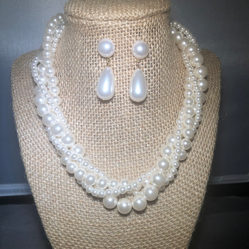 Multi Twist Cream Pearl Set With Matching Earrings