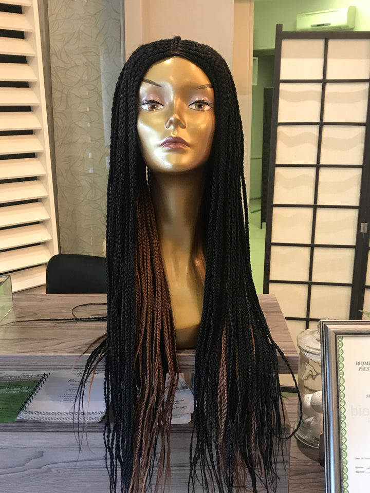 Braided Wig in black and brown