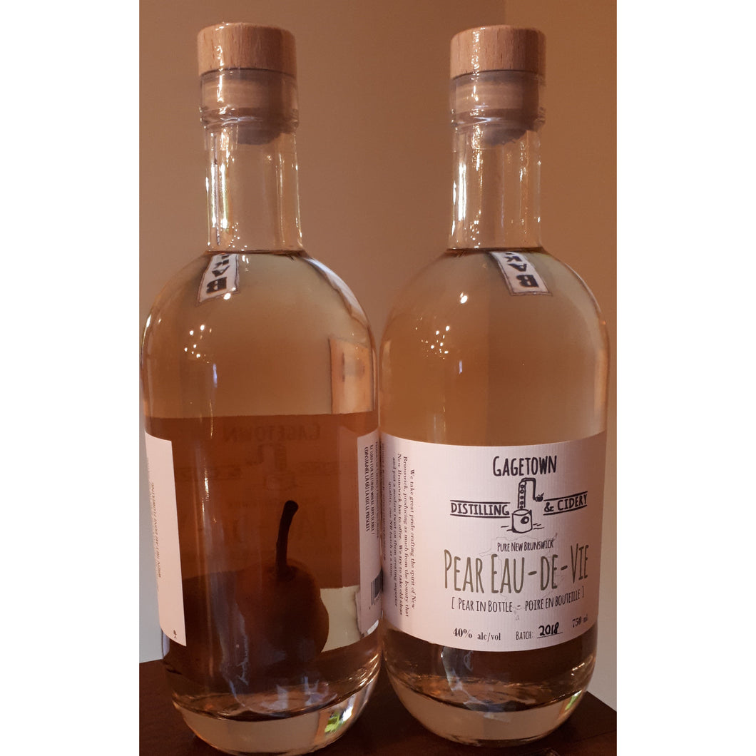 Pear Eau-de-vie with Pear in Bottle
