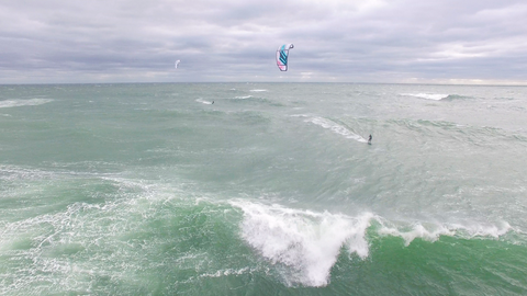 Kiteboarding Tom Nevers