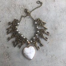 Load image into Gallery viewer, Key and Heart Bracelet - מטפחות - כיסוי ראש - Aviva Lush tichels, head scarves, volumizers