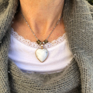 Heart Necklace on Silver Coloured Chain - מטפחות - כיסוי ראש - Aviva Lush tichels, head scarves, volumizers
