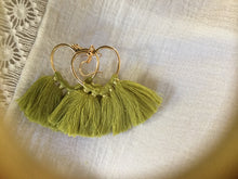 Load image into Gallery viewer, Gold Heart Fringe Earrings - מטפחות - כיסוי ראש - Aviva Lush tichels, head scarves, volumizers