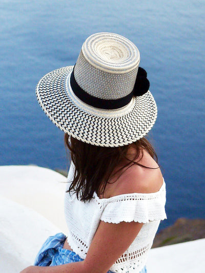 Wayuu Straw Hat with Pompoms in Silver and Black