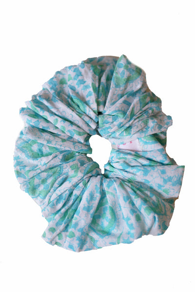 Blockprint Hair Scrunchie in Quatrefoil Seaglass