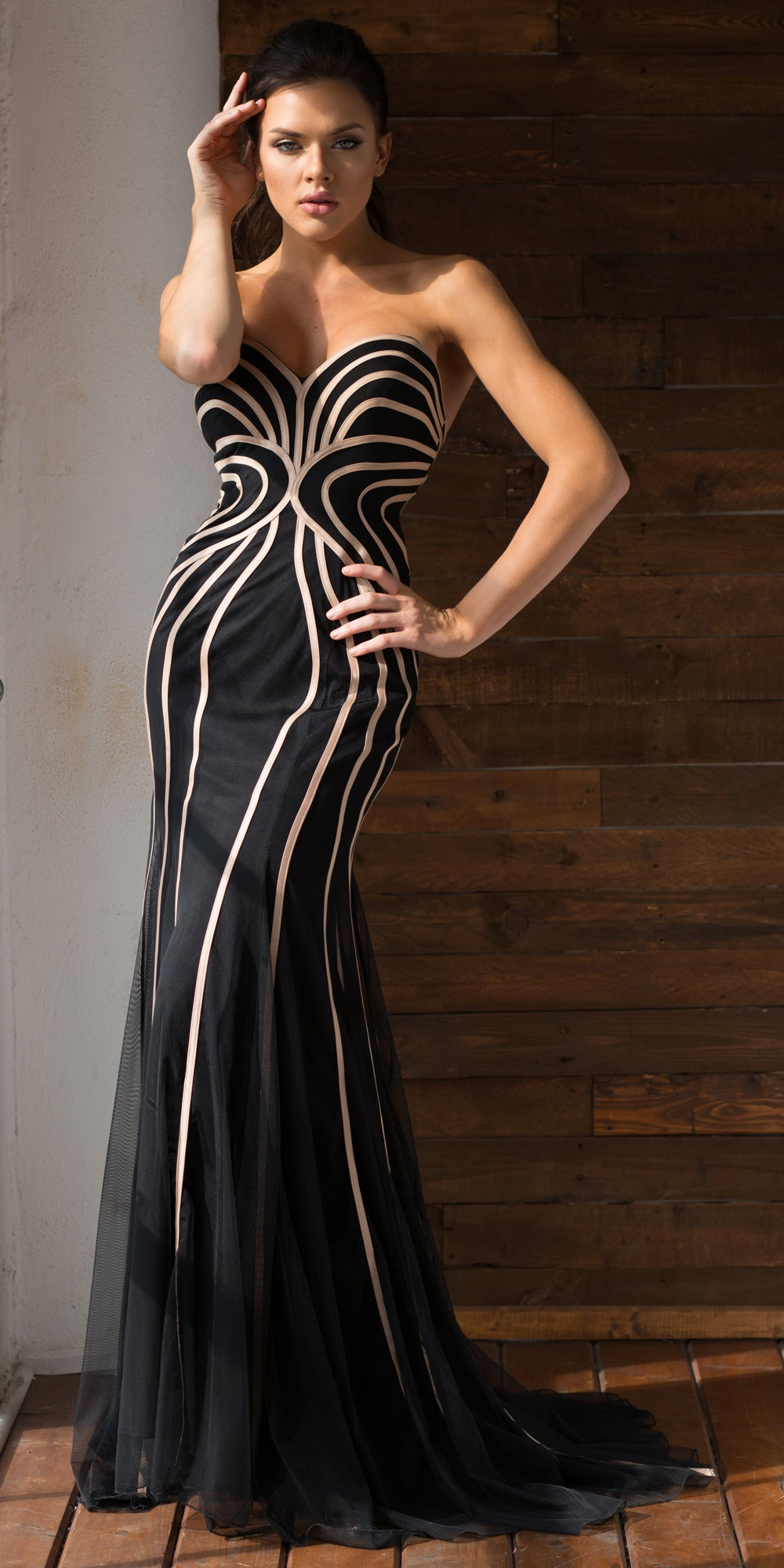 Main image of Strapless Geometric Design Tulle Long Formal Evening Dress