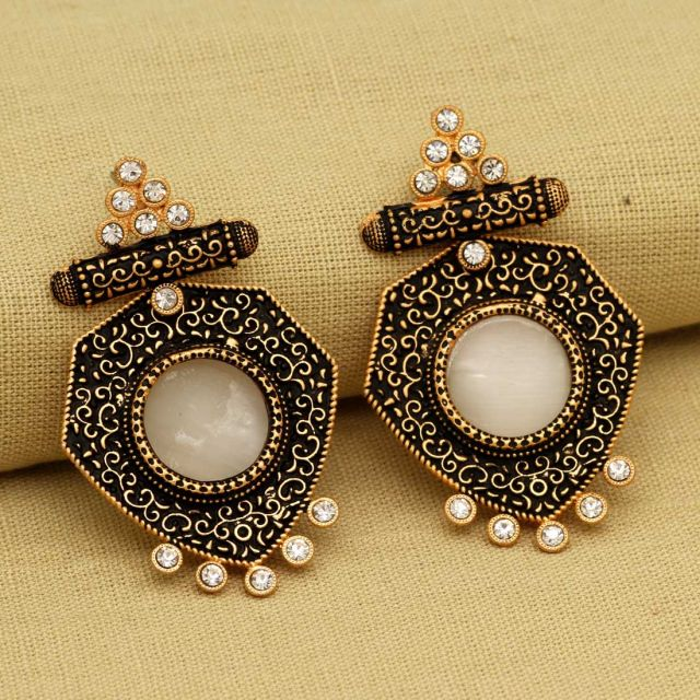 Gold Color Rhinestone Antique Earrings (ANTE286GLD)