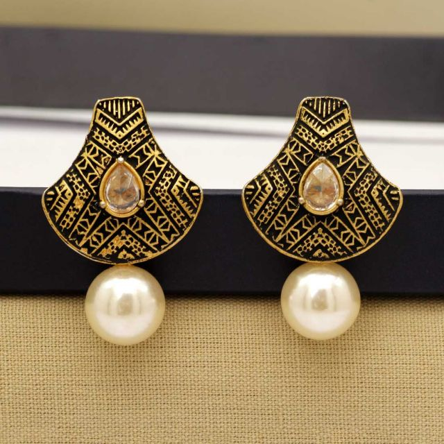 White Color Rhinestone Antique Earrings (ANTE287WHT)