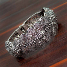Load image into Gallery viewer, Flower Inspired Silver Bracelet