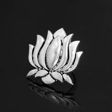 Load image into Gallery viewer, Lotus Design Oxidized Silver Ring