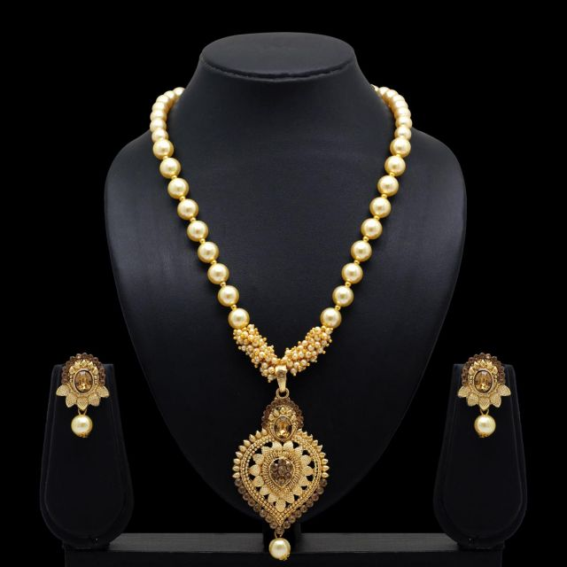 Gold Color Rhinestone Necklace With Earrings (KBSN671GLD)