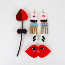 Load image into Gallery viewer, Frida Piensa en Diego Earrings / Frida Thinks of Diego Earrings