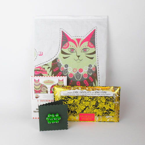 Marmaduke Cat Festive Gift - Cut & Sew Teatowel, Chocolate & Card