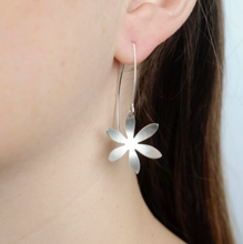 Load image into Gallery viewer, Silver Fritillaria Side hanging Earrings