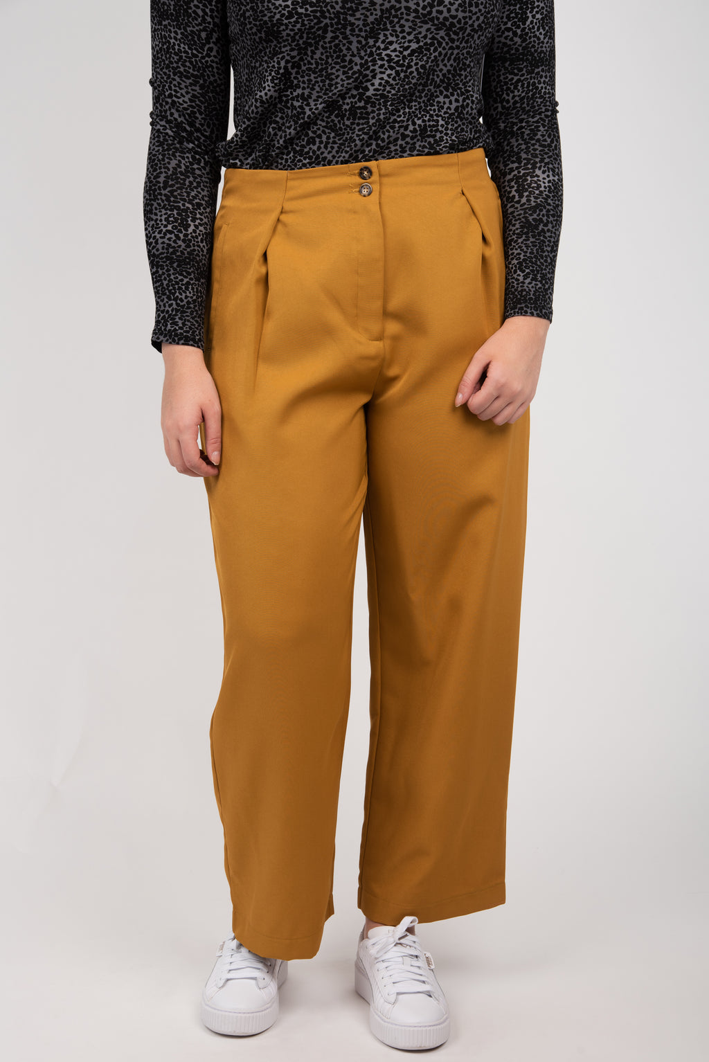 Molly Bracken Tapered Pants