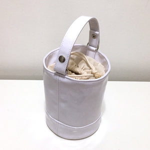 WHITE GLITTER BUCKET BAG