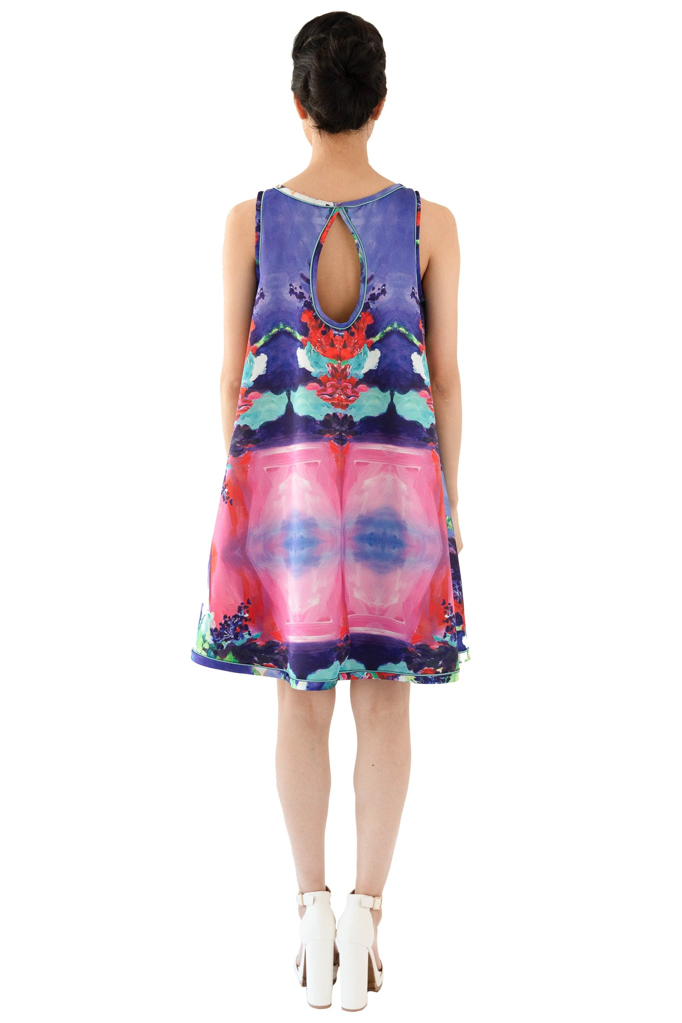 Trapeze dress with keyhole back in floral