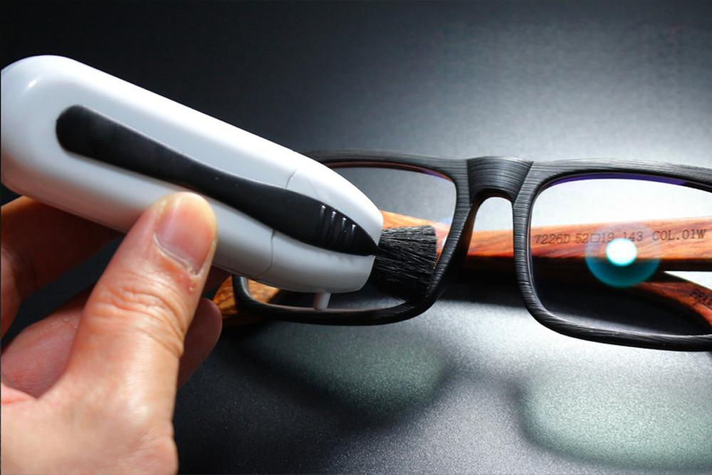 Peeps – NASA Eyes Glasses Cleaning Technology