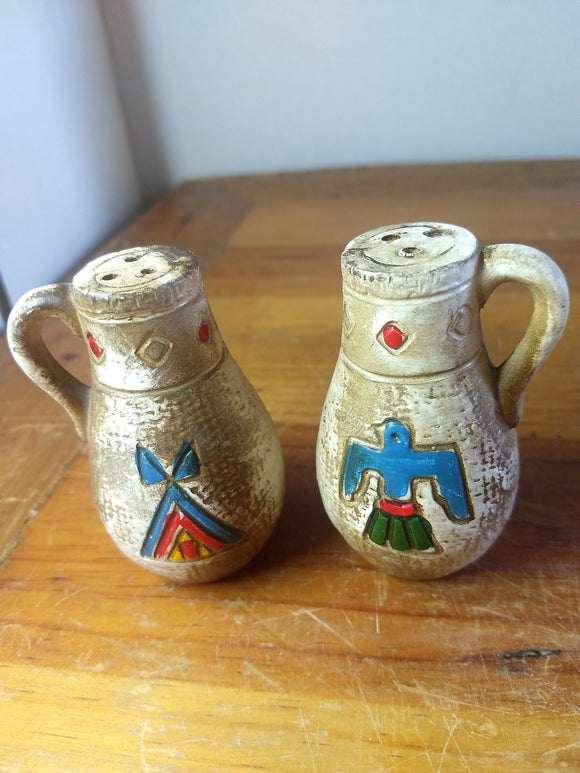 Vintage, Salt pepper shakers, Indian, native Southwest style