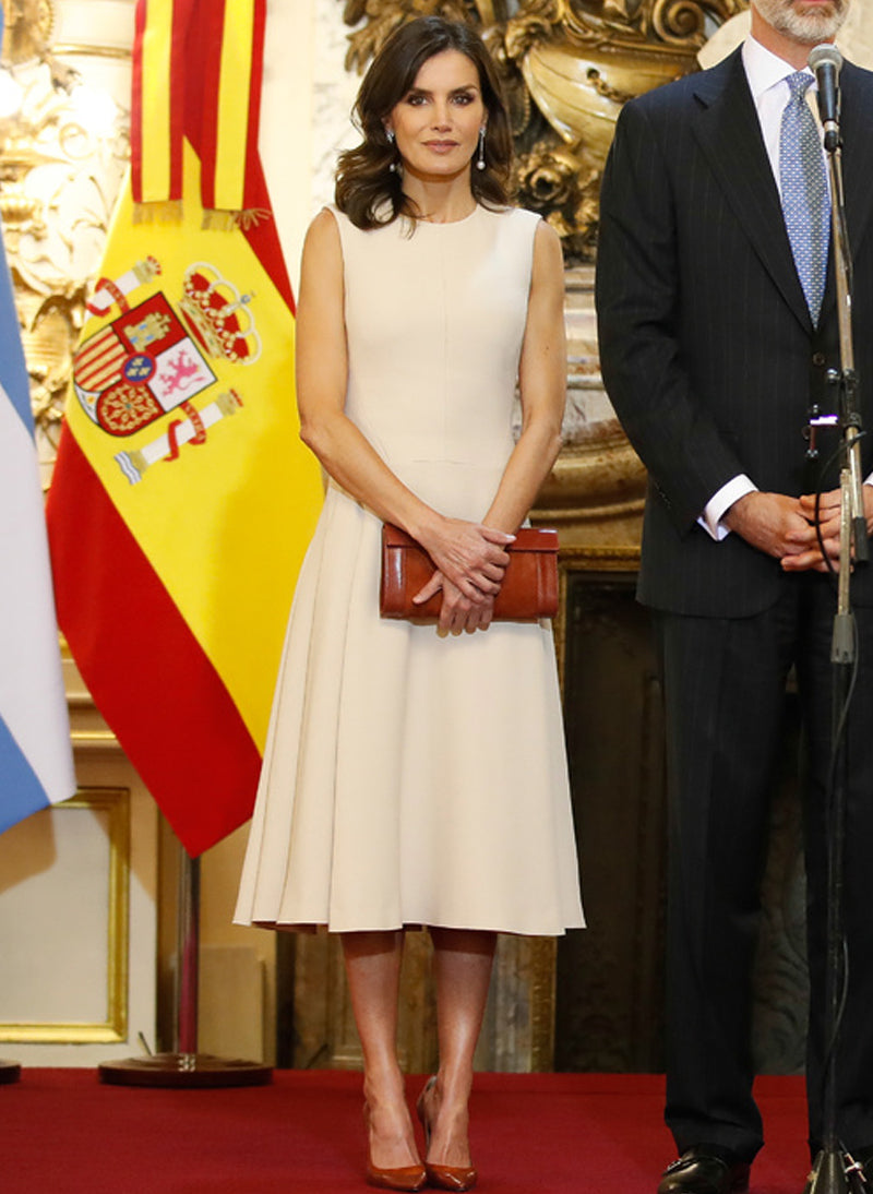 Queen Letizia Sleeveless Fit And Flare Midi Dress