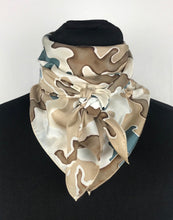 "Load image into Gallery viewer, 34"" Custom Tan Camo Wildrag"