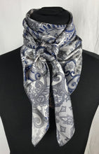 "Load image into Gallery viewer, 44"" Navy on Silver Paisley"