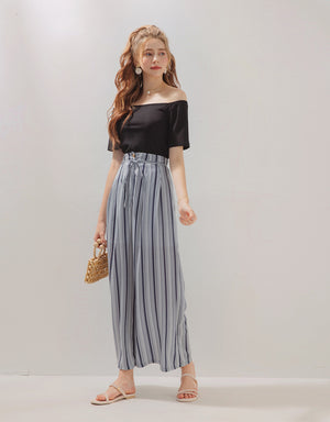 Off Shoulder Low Cut Knot Top
