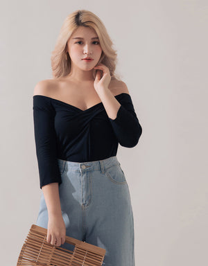 Front-twisted Off Shoulder long-sleeve Top