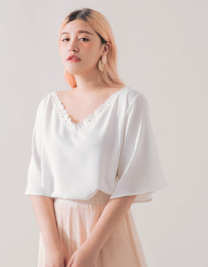 Trimmed Lace Chiffon 1/2 Sleeves Top