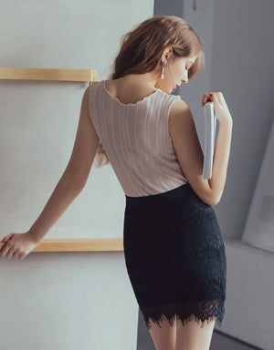 ELEGANT LACE PENCIL SKIRT