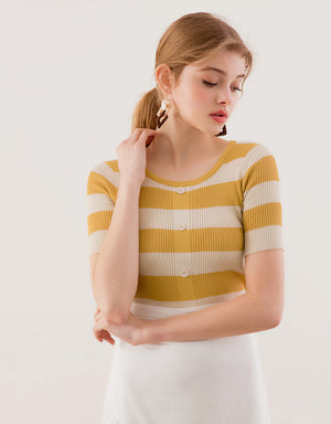 Constrast Button Knit Top