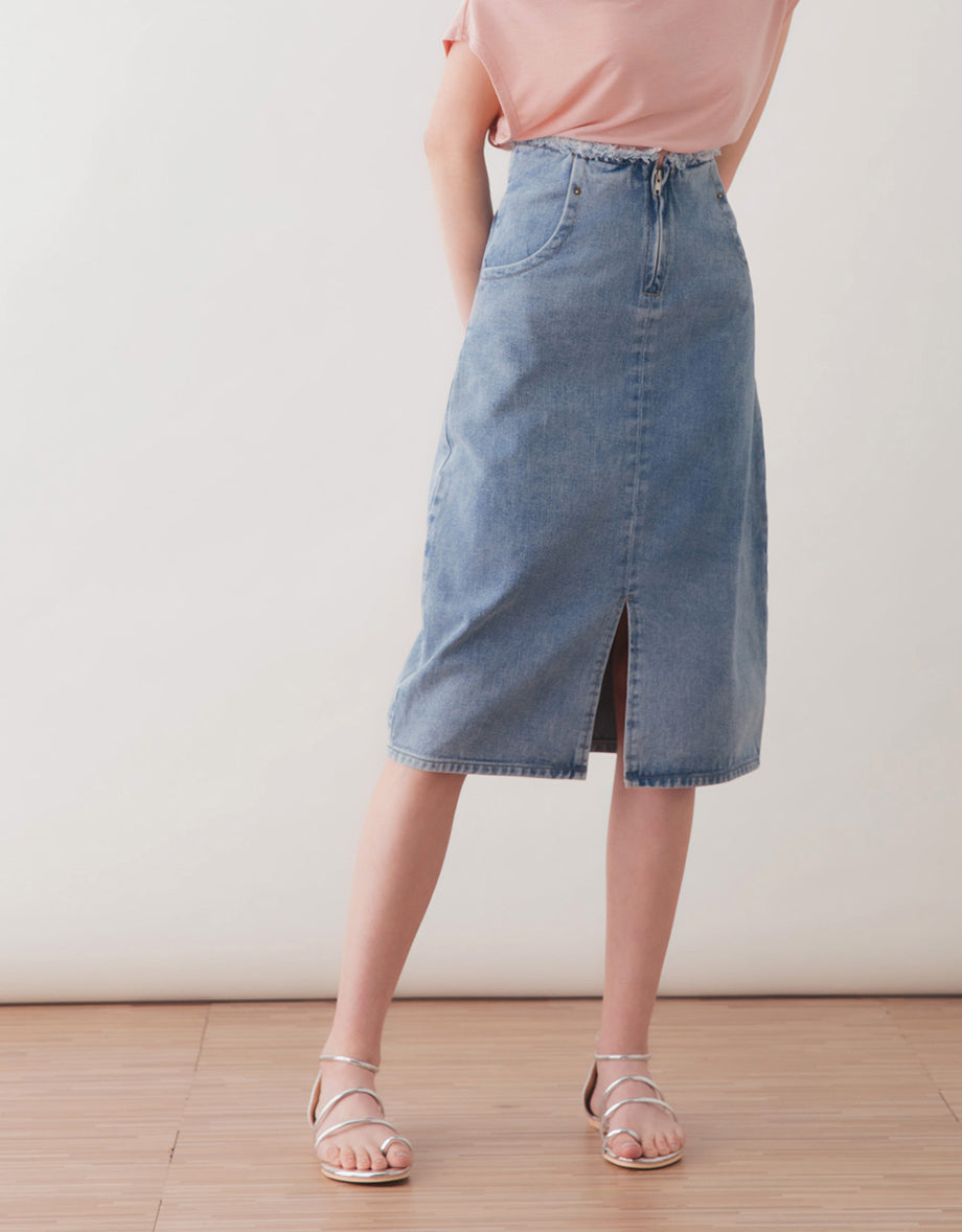 b1f34cc53b015b HIGH RISE DISTRESSED DENIM MIDI SKIRT - AIR SPACE