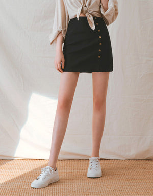 Minimalist Designed Side Button A-Line Skirt