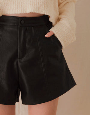 Textured A-Line Slimming Leather Shorts