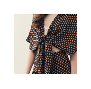 Square Polka Knot Front Set Wear