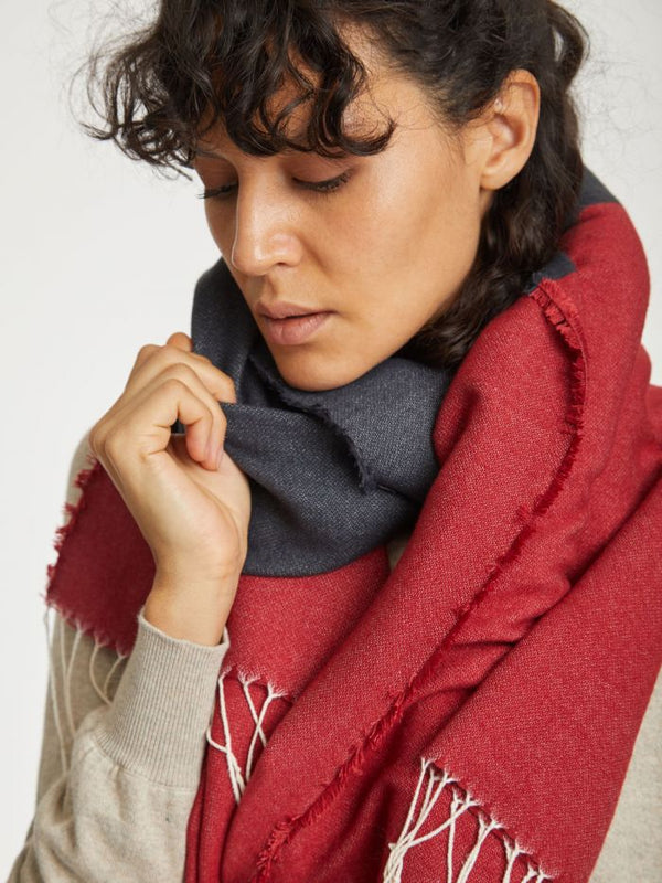 Thought® Linnear Scarf