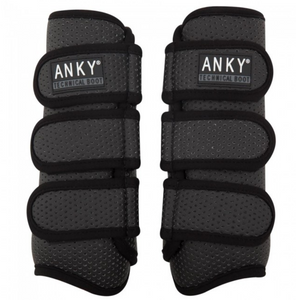 The black equestrian horse boots with sparkle by ANKY technical solutions.