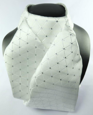 Showquest ready-tied stock tie for fashionable horseback riders. This stock-tie is perfect for on-the-go equestrians.