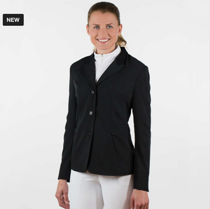 The Horze Evonne horseback riding show jacket for all horseback riding. This horseback riding show jacket will be great in all rings.