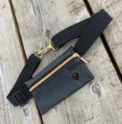 Black Knight Pony Pouch - Equestrian Fashion Outfitters