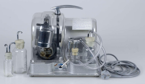 Einar Egnell invented the SMBTM, the  rst safe, effective hospital-grade pump. Photo courtesy of Upplandsmuseet.