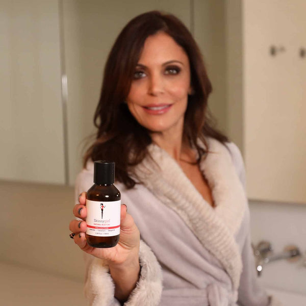 Bethenny holding bottle