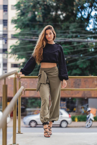 Cute outfits, baggy pants and heels, streetwear, urban outfits, urban style, city fashion