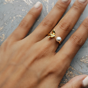 Hummingbird Pearl Ring, Gold - Bella Mayford