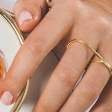Double Finger Ring, Gold - Bella Mayford