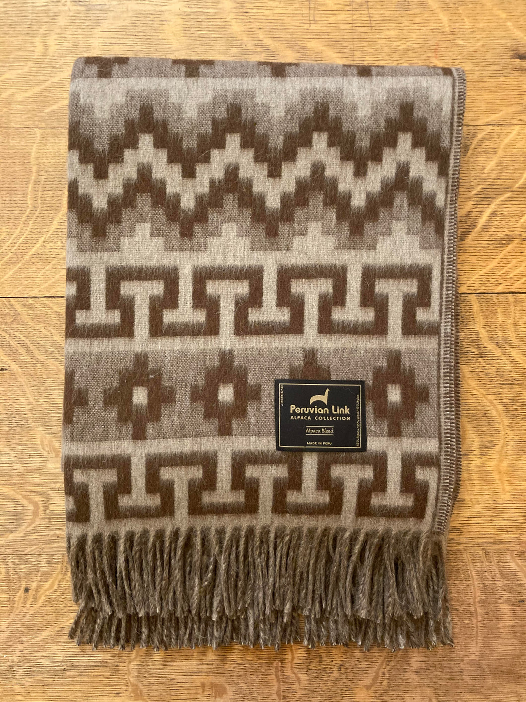 Geometric Alpaca Throw (Brown/Fawn)